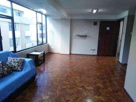 Se arrienda excelente departamento, ideal para vivienda u oficinas