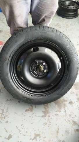 Vendo 2 ruedas completas sin rodar, rodado 15 pirelli.