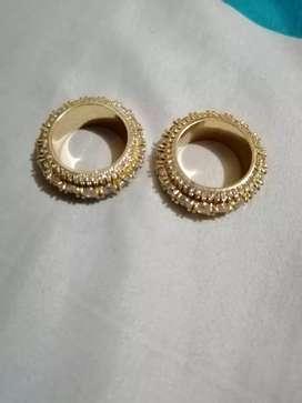 Vendo hermosos anillos con diamantes preciosos