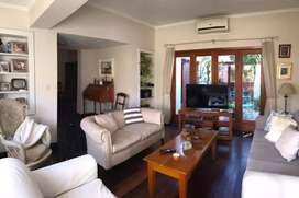 Venta B Parque Velez Sarsfield mejor ubicacion casa 3 dorm/pileta/quincho