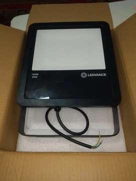 Reflector LED 150w nuevo