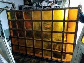 Mampara de cedro con vidrios 29.900