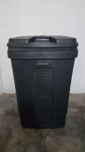 Caneca para almacenar residuos