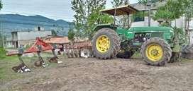 Vendo tractor agrícola jonh deree 2140  a  toda  prueba  con  implementos barato