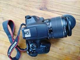 Cámara Canon eos rebel t6 con filtros y trípode.