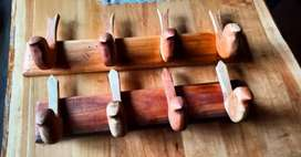 Percheros de madera