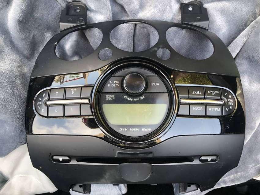radio mazda 2