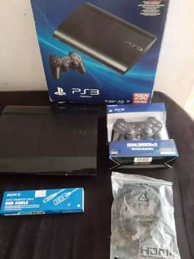 Play3 super slim 250gb + 100 juegos
