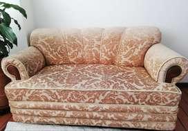 Sofa x 2 puestos en perfecto estado por poco uso