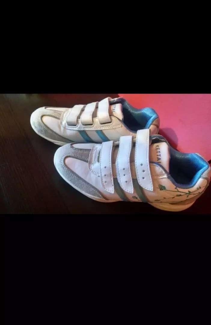Zapatillas para nena 0