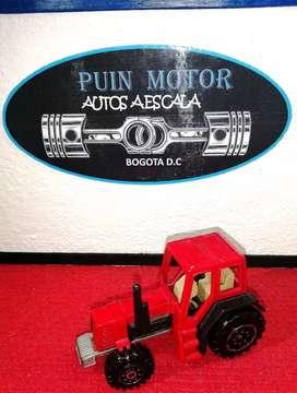 Colección tractor- autos a escala