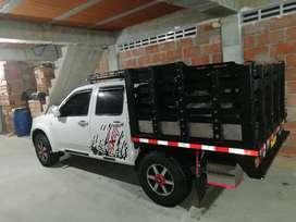Se vende Dimax 4x4, doble cabina y estacas, modelo 2009,motor diesel 3000 cc, matriculada en envigado