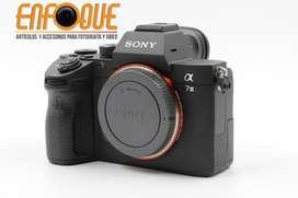 Camara Sony a 7iii lente kit Nueva