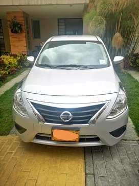 Nissan versa automático único dueño