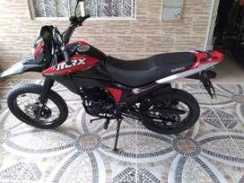 SE VENDE MOTO VICTORY MRX 150 MODELO 2021