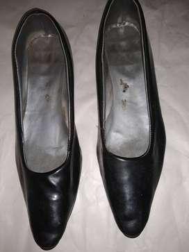 Zapatos chatitas charol 37-