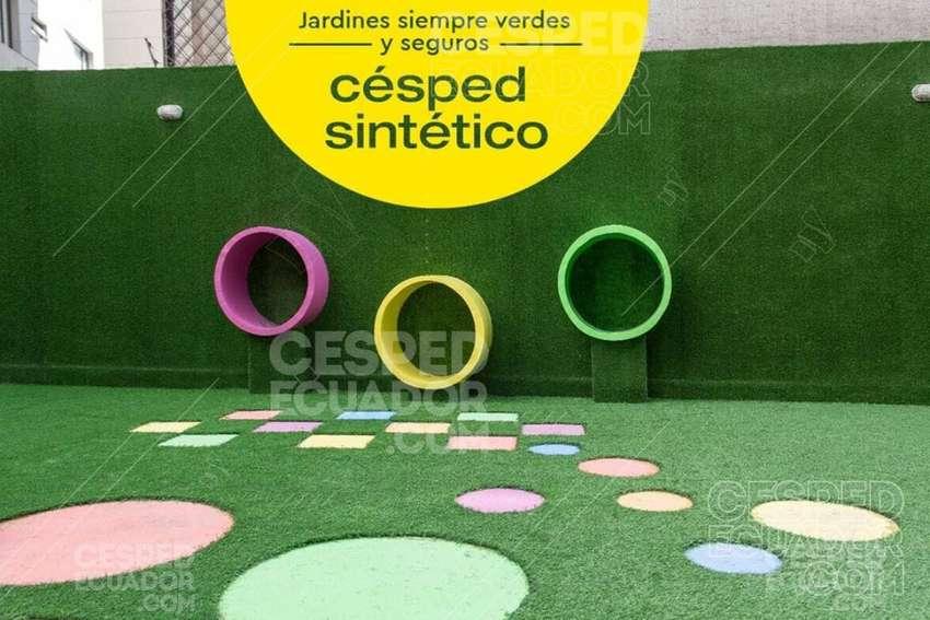 Césped Sintético Decorativo Instalación para todo Ecuador 0