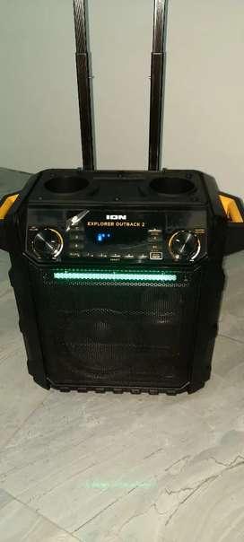 Vendo parlante ion con bateria recargable 100 watss de salida