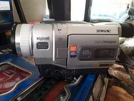 Filmadora videocámara Sony digital 8 megapixel    DCR TRV 740 420 x 15 des un USB streaming batería de litio