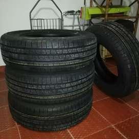 Vendo 4 llantas Pirelli 215/70R 16