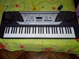 Organeta (piano) con cable estado 9/10