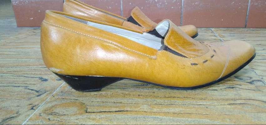Vendo zapatos color Miel 0