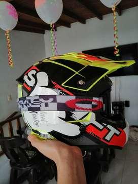 Casco Shaft para moto, motocross o bicicross talla L. *NEGOCIABLE*