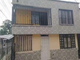 Se vende casa de dos pisos en excelentes condiciones.