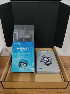 GoPro HERO 7 Silver NUEVA con carcasa protectora ORIGINAL