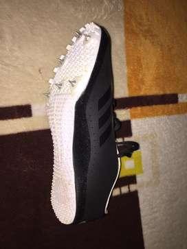 Zapatos deportivos en buen estado