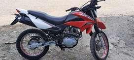 Se vende una moto Honda
