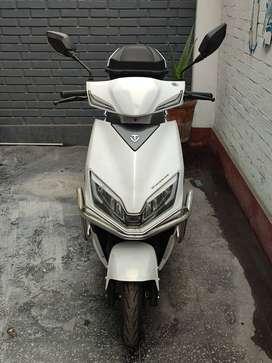 Se vende moto electrica marca Tailig Modelo Leopard blanco