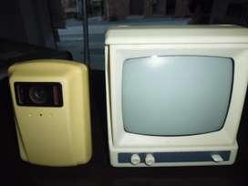televisor monitor de vídeo antiguo  monitor solo tengo estas dos tres