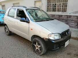 Vendo auto Suzuki excelente estado uso particular motor reparado recién pintado aros de magnesio