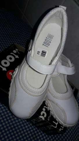 Zapatillas N 38.