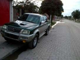 Vendo camioneta Mitsubishi L200 urgente!!