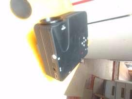 Miniproyector Led 80 Lumen ultraliviano
