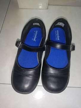 Zapatos Mafalda. Talla 32