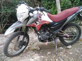 se vende moto modelo 2014
