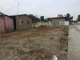 Vendo terreno cerca de colegio Jacaranda La Aurora
