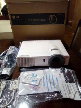 Proyector Marca LG BE 320 SD