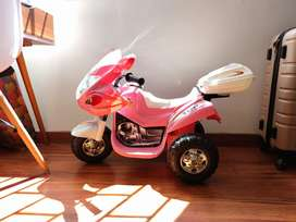 Vendo moto electrica para niñas