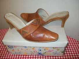 Suecos zapatos cuero No. 40
