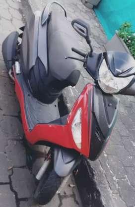 Vendo moto usada hero dash se encuentra parada hace 3 mssin uso. El $$ es negociable según el acuerdo con el comprador.