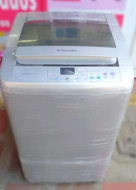 Lavadora Electrolux de 20 libras.