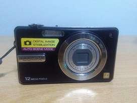 Cámara Digital Panasonic F3 Lumix 12 megapíxeles