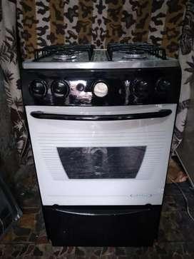 Oferta de estufa 4 puesto horno encendido eléctrico marca. Abba