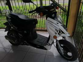 Vendo o cambio scooter 150cc