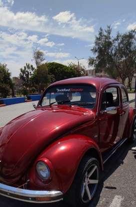 Volkswagen escarabajo rojo metalico