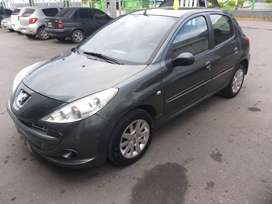 Dueña vende Peugeot 207